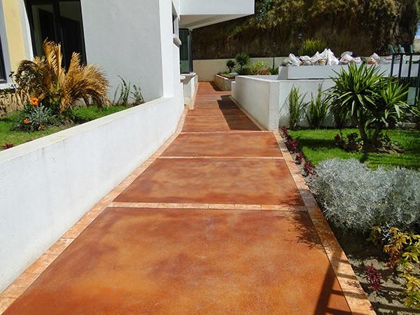 Concretarte instalaci n de pisos exteriores quito ecuador for Materiales para pisos exteriores